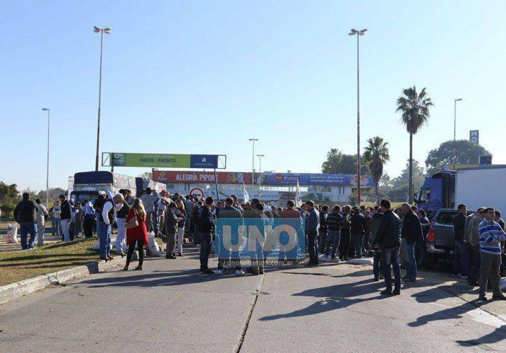 Productores agropecuarios cortaron el túnel y volverán a protestar el miércoles próximo