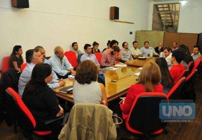 Este jueves harán otra reunión por los problemas en el servicio de colectivos entre Paraná y Santa Fe