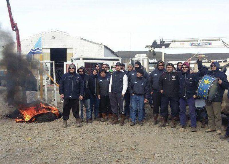 Petroleros de Santa Cruz en estado de alerta por escalada de despidos