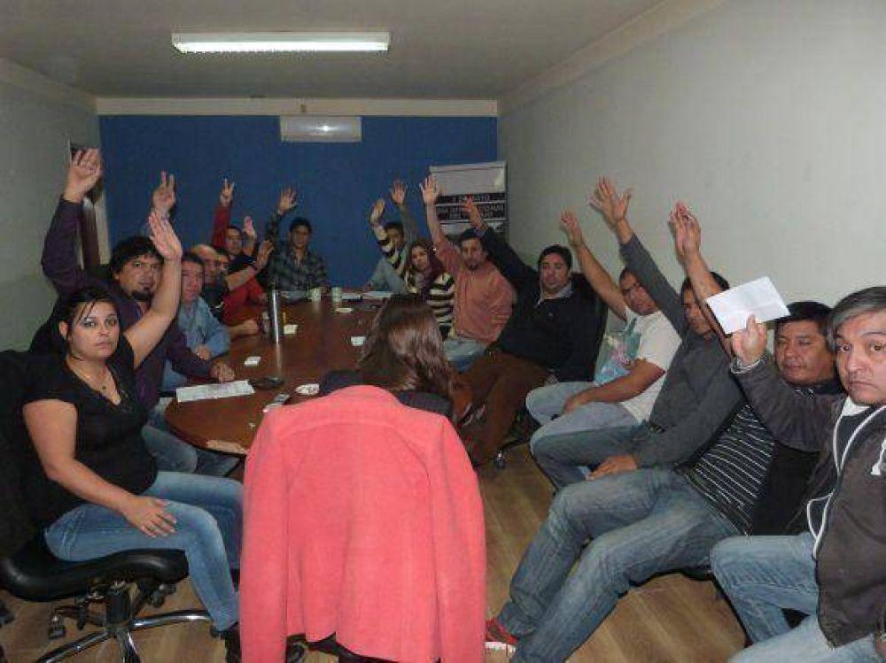 Petroleros: Apoyo total de la comisión directiva y delegados al Sec.General Claudio Vidal