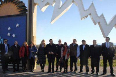 Meyer inauguró el vuelo que une Cataratas y El Calafate