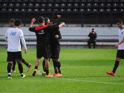 Lucas Bernardi suma rodaje a su Newell's, que venció 1 a 0 a O'Higgins de Chile