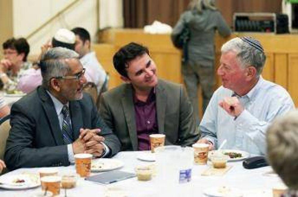 Sinagoga en Toronto organizó un iftar para los musulmanes
