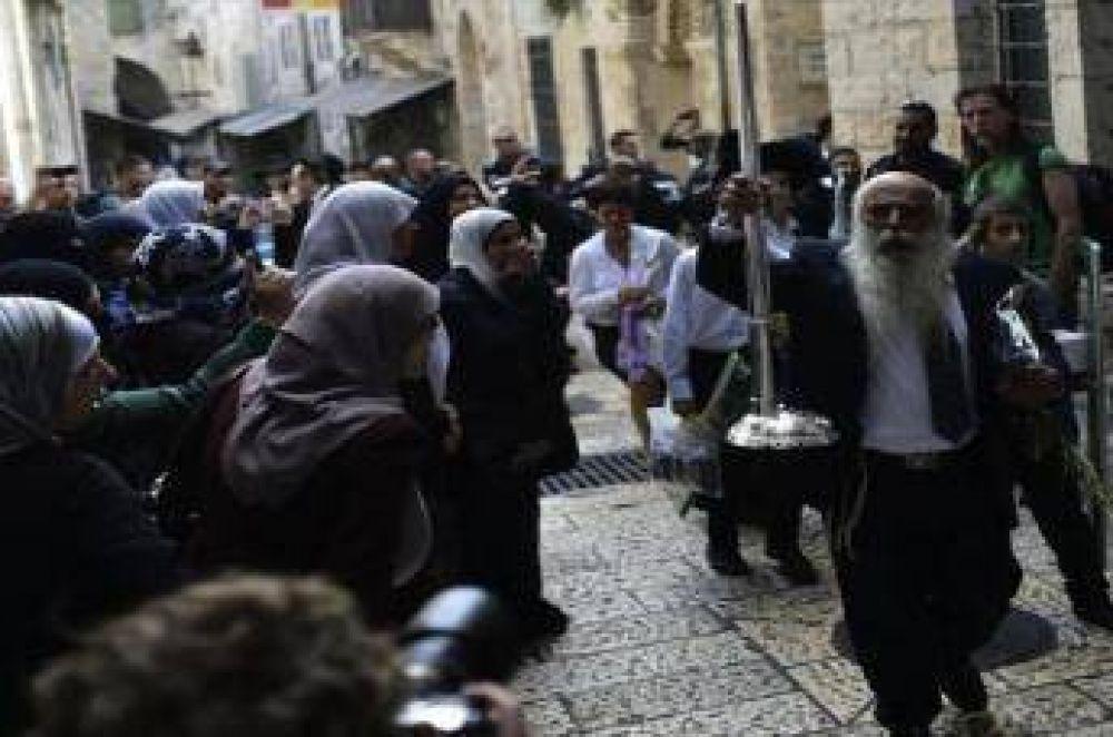 Colonos israelíes irrumpen en la Mezquita Al-Aqsa