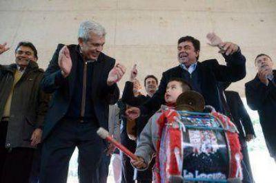Julián y Espinoza, suben y homenajean a Perón