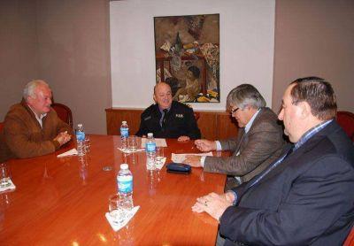 Iosper y la Policía firmaron un convenio que fomenta hábitos saludables en el personal de la fuerza