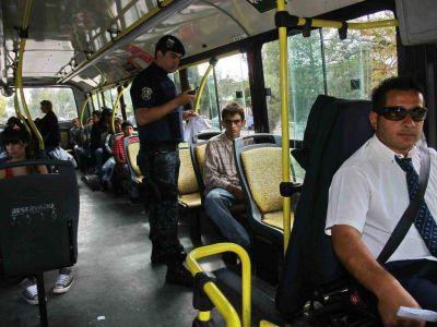 Prometen policías de civil en los colectivos por los robos