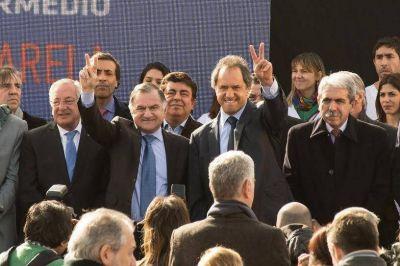 Aníbal boicotea a su vice y apoya a Julio Pereyra