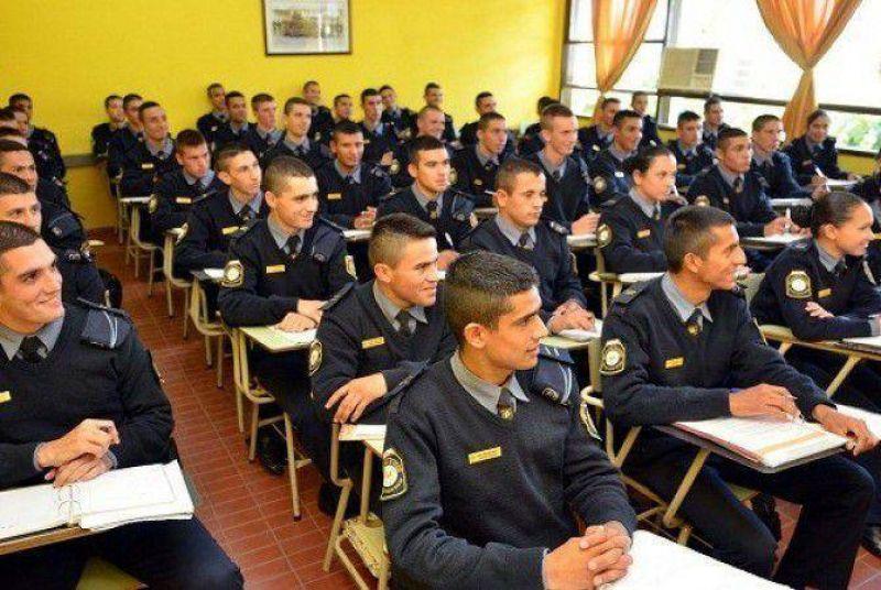 �Deben sindicalizarse polic�as y guardiac�rceles?