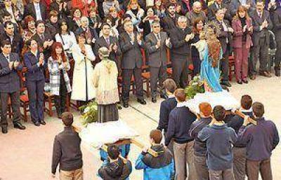 Amaya y Alfaro participaron de los actos en el colegio Tulio
