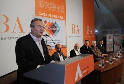 Breitenstein encabezó el Primer Salón del Emprendedor La Plata 2015