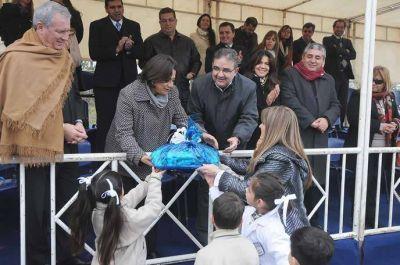 Lucía en el acto aniversario de la ciudad