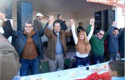 Masivo acto del Frente Cambiemos en Villa �ngela