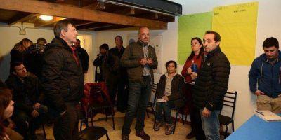 CAMPAÑA ELECTORAL: Buzzi visitó el local de Juan Ripa y dialogaron sobre la profundización del proyecto