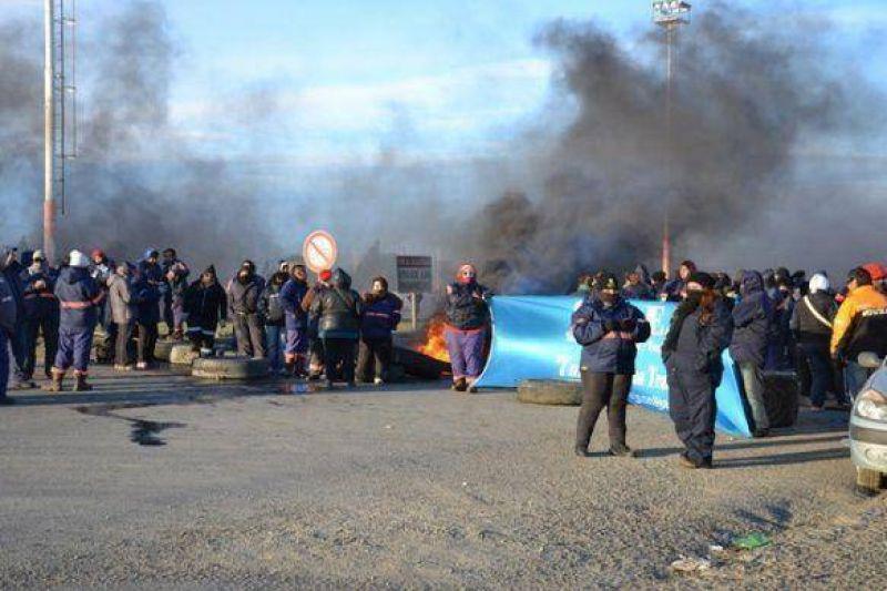 A 100 d�as del conflicto, dos ediles se�alaron que Ejecutivo y SOEM deben seguir reuni�ndose