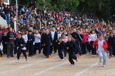 Escuelas de toda la provincia recibirán equipamiento deportivo