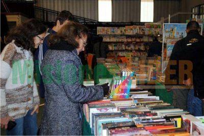 Comenzó la Feria Provincial del Libro en Oberá