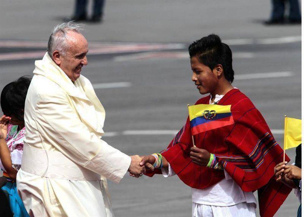 """""""La iglesia tiene el compromiso de apoyar al pueblo ecuatoriano"""" dijo el Papa"""
