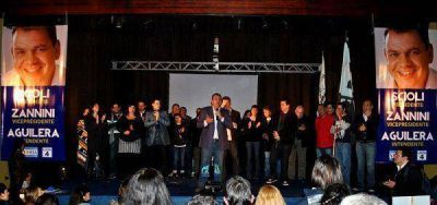 Aguilera presentó sus candidatos