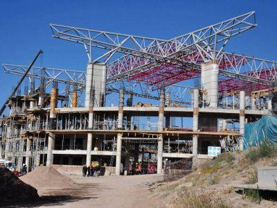 Pese a las críticas, Cornejo terminará la Villa Olímpica