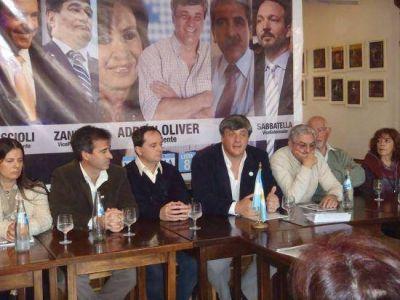 Miramar: Adrian Oliver precandidato a Intendente, presentó su lista
