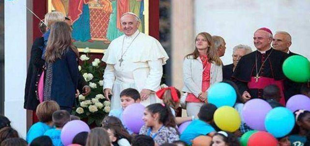 Las familias al centro del viaje del Papa Francisco