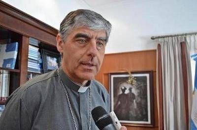 El obispo y los sacerdotes reclaman diálogo ante el conflicto gremial