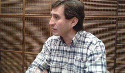 Andino denunció que Santibañez entrega planes a cambio de votos