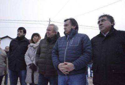 Peralta inauguró obras de red de gas en 28 de Noviembre
