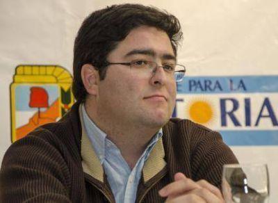Pablo Bossio reunió a su equipo de Educación y elabora una propuesta que prioriza infraestructura, alimentación y transporte