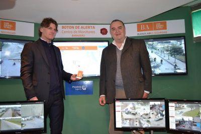 Presentaron el botón de alerta y equipos para la obra pública
