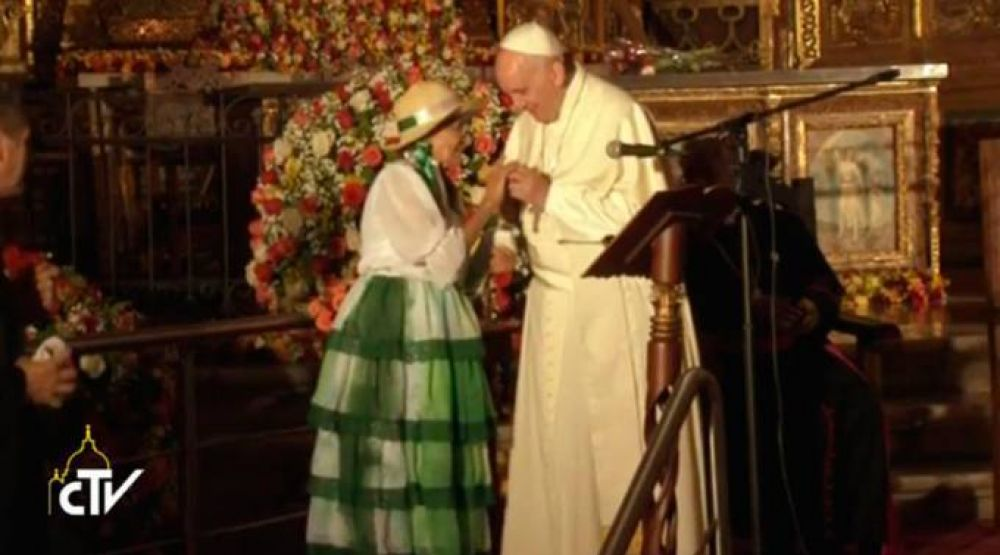 Papa Francisco: La sociedad puede ser como una familia donde nadie debe quedar excluido