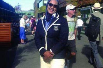 Primera jueza de línea que utiliza el velo islámico en Wimbledon