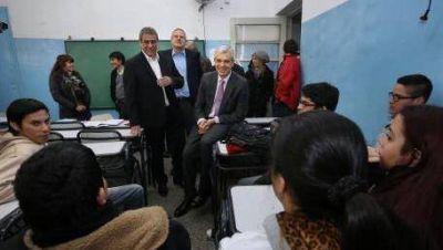 Domínguez puso a la educación como eje de su plan