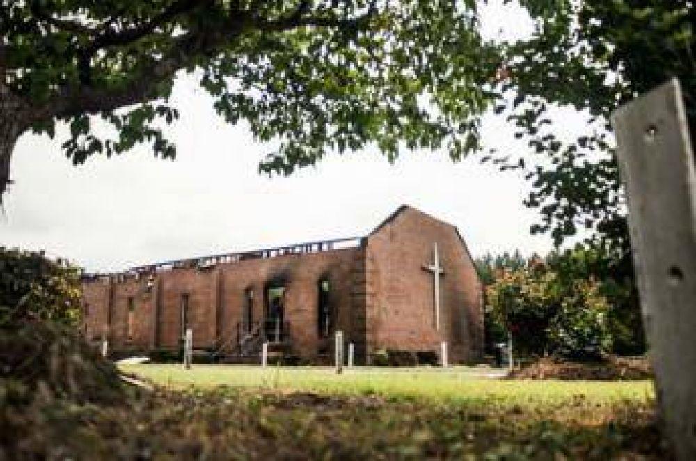 Musulmanes ayudan a la reconstrucción de iglesias de comunidad afroamericana
