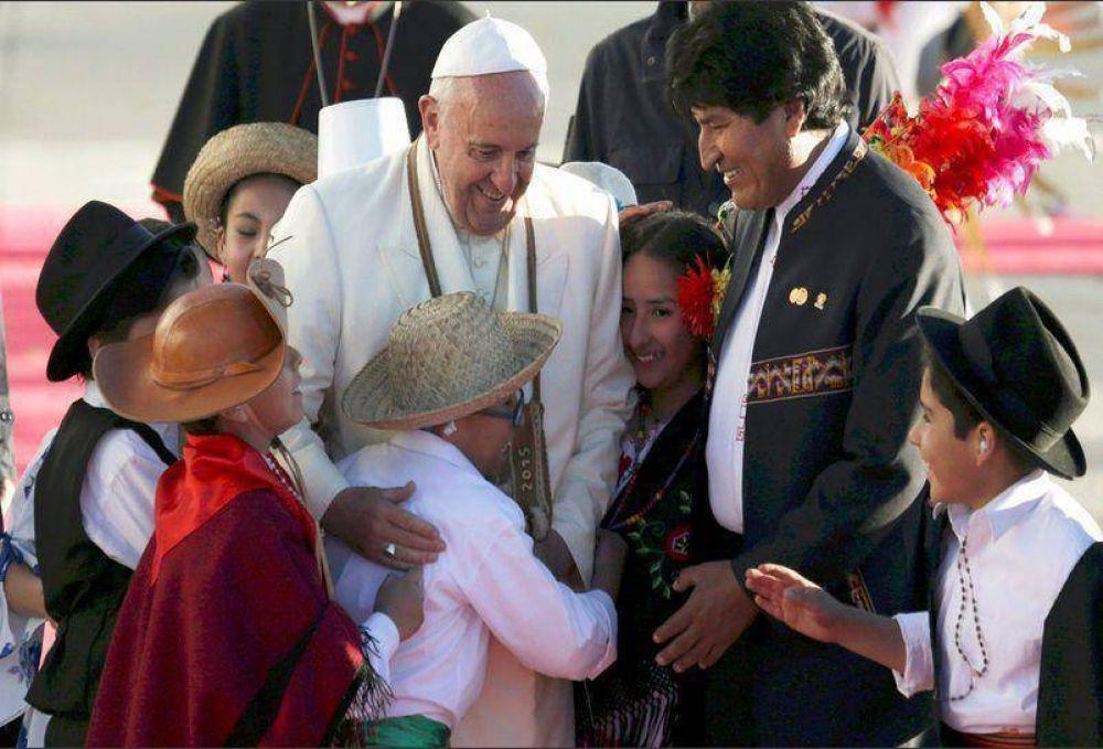 En Bolivia, el Papa respaldó a Morales y pidió por la libertad
