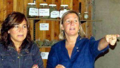 Campos Bilbao entregó aportes a productores periurbanos