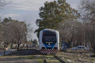 Probaron y el tren del Valle demora 20 minutos