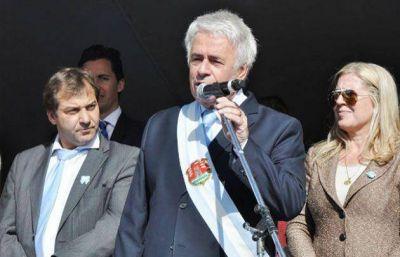 De la Sota presidió el desfile cívico-militar en Río Cuarto