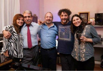 Fito Paez apoyó la fórmula Aníbal-Sabbatella con una cena en su casa