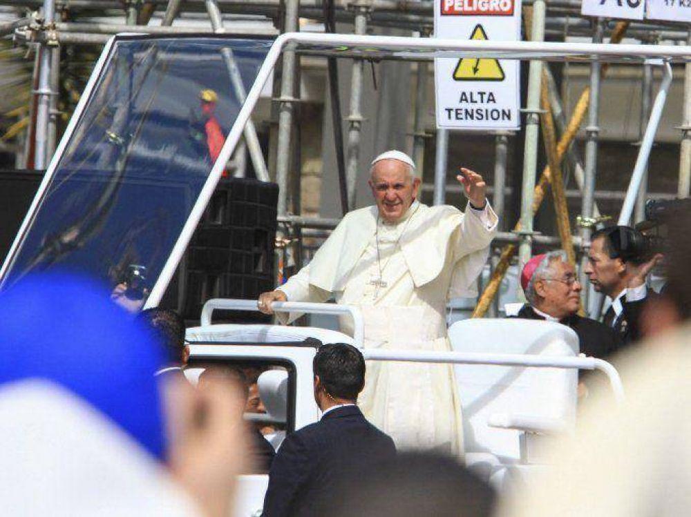 Miles de argentinos comenzaron a llegar a Asunción para ver el Papa