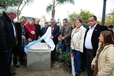 Julio Zamora inauguró el Km 0 de la