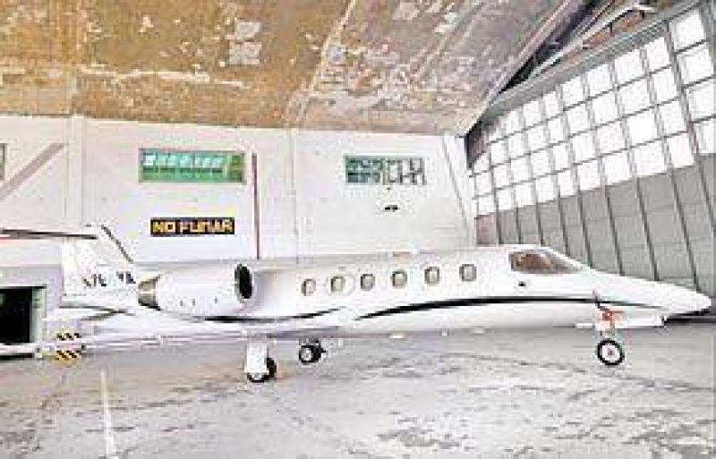 Uruguay: cheques de EE. UU. para pagar el hangar del avión de Jaime