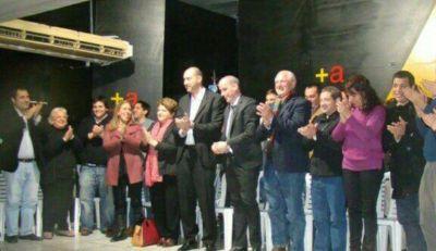 """Leguizamón en multitudinario plenario: """"Queremos recuperar la ciudad que se robaron"""""""