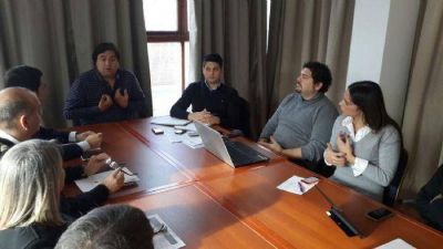 Manino Iriart se reunió con gerentes de Centros Comerciales