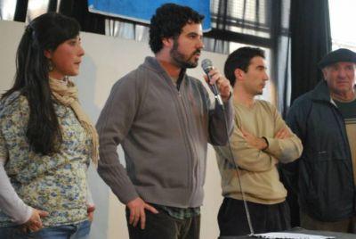 """Bertoldi recorre la Quinta Sección: """"Cuando pasa la temporada quedan al descubierto los problemas de vivir en la Costa"""""""