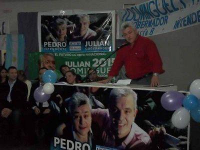 Roig lanzó su campaña con criticas a Raúl Feito
