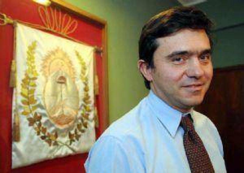 La oposición pide que Jaque mande ya el pliego de López Puelles para la DGE.