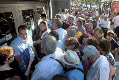 Grecia: el corralito se prolongará dos meses más