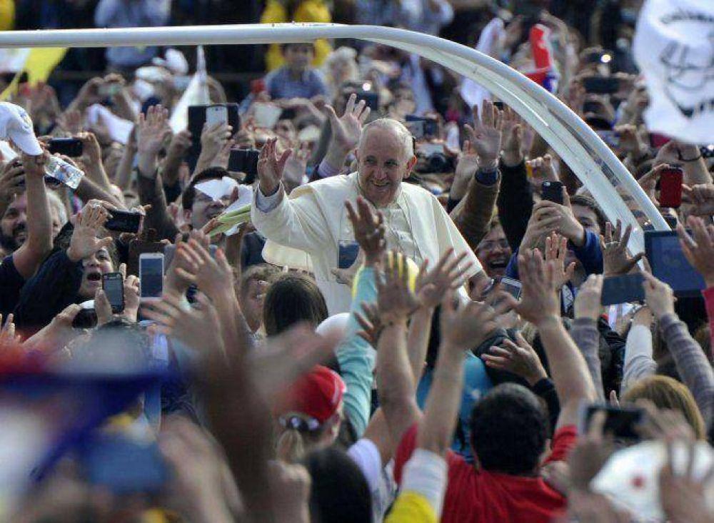 ¿Francisco ratificó su liderazgo político?